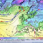 Maltempo, non se ne esce più: violentissimo ciclone Afro/Mediterraneo nel weekend, scirocco impetuoso e piogge alluvionali al Sud [MAPPE]