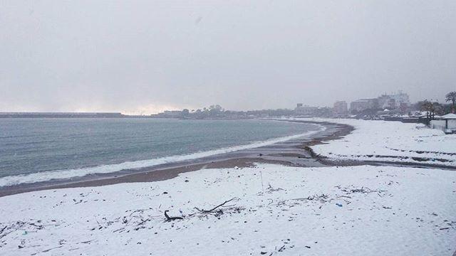 Sicilia che magia tanta neve sul mare a taormina e giardini naxos gallery meteo web - B b giardini naxos sul mare ...