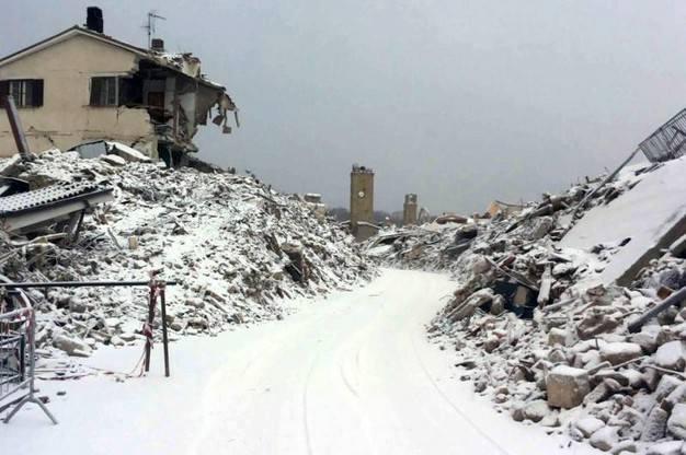 Risultati immagini per neve nelle zone terremoto in umbria