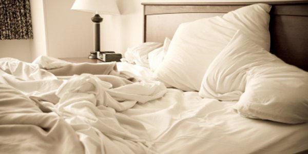 Quando vanno cambiate le lenzuola? E il pigiama?