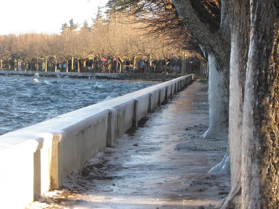 """Gelo sul Lago di Bolsena, il """"Burian"""" e il """"Lake Effect"""" sul Lungolago di Marta [GALLERY]"""