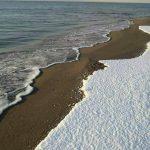 La storica nevicata di Metaponto: la spiaggia Jonica si imbianca 26 anni dopo l'ultima volta, e Bernalda… [GALLERY]