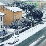 Allerta Meteo, Italia al Gelo: l'Adriatico come il Mar Glaciale Artico, anche oggi bufere di neve sulle coste [FOTO LIVE]