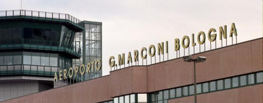 Jet Privato Aeroporto : Jet privato va fuori pista aeroporto marconi di bologna