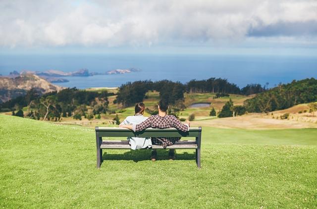 Madeira è insieme relax e benessere, natura e scoperta. È anche una meta molto romantica, ideale per le coppie