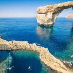 """Maltempo, la """"Tempesta della Festa della Donna"""" devasta Malta: l'Azure Window crolla in mare, distrutto il simbolo del Paese [GALLERY]"""