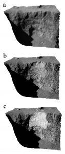 Viste tridimensionali del crinale Aswan che mostrano il suo profilo prima (a) e dopo (b) il crollo. Il pannello c indica le dimensioni del blocco di materiale che si è staccato. Crediti: ESA/Rosetta/MPS for OSIRIS Team
