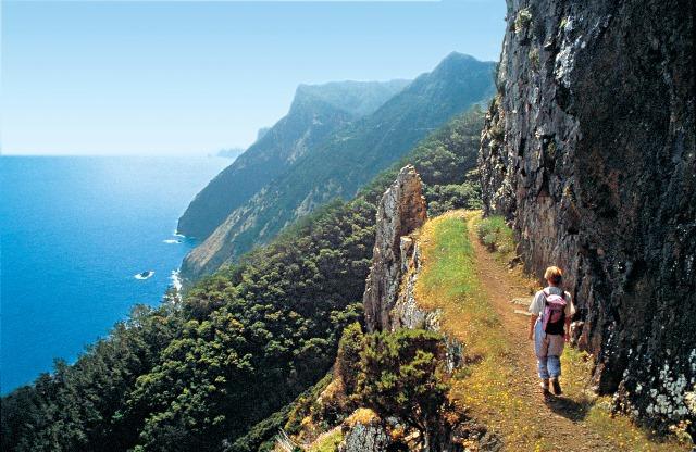 Uno dei meravigliosi percorsi naturalistici con vista sull'Oceano Atlantico
