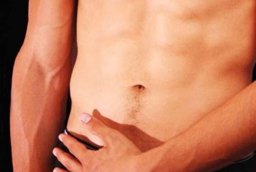 Tumore al testicolo, casi record per under 50: le regole dell'autopalpazione