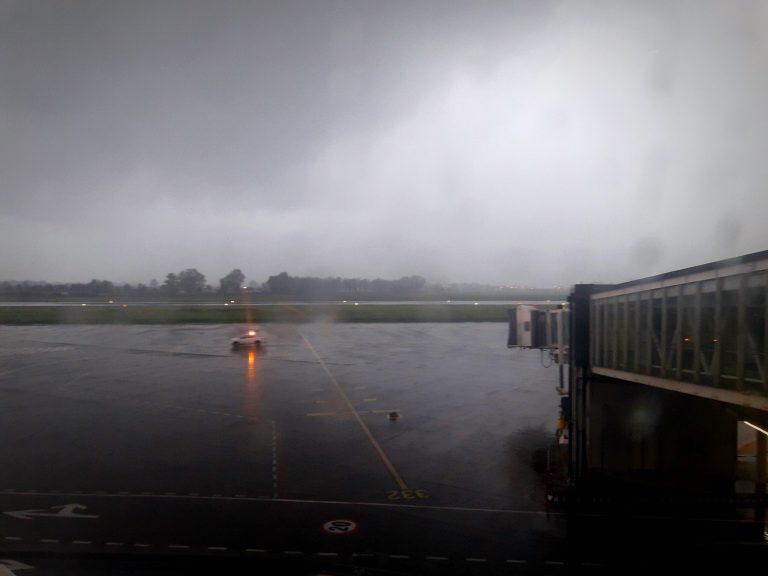 Un violento temporale all'aeroporto di Catania