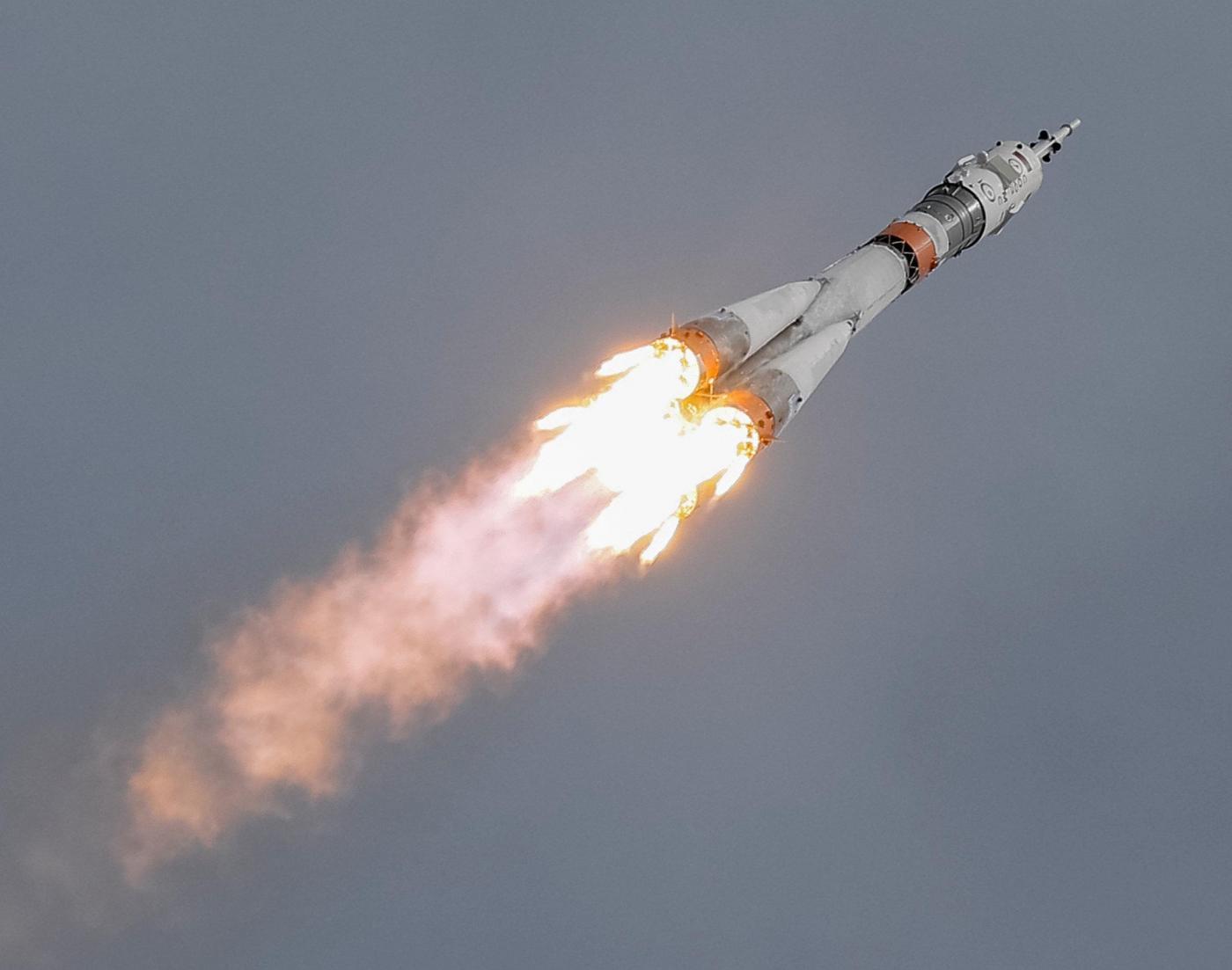 Spacex atterrato con successo il razzo falcon 9 meteo web - Immagini stampabili a razzo ...
