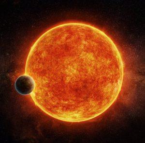 Questo pianeta si trova nella zona abitabile, in cui l'acqua puo' essere liquida, della propria stella madre, una piccola e debole stella rossa nota come LHS 1140. Il pianeta pesa circa 6,6 volte la Terra e transita di fronte a LHS 1140. In blu e' rappresentata l'atmosfera che il pianeta potrebbe aver conservato. Crediti: M. Weiss/CfA