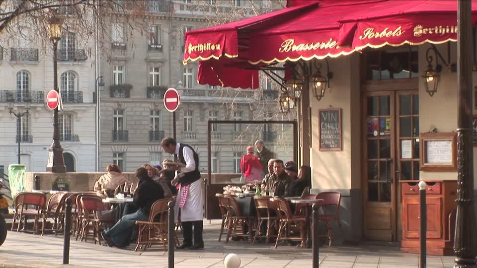 Personale sgarbato ai caf parigini il turismo nella for Gerani parigini cura