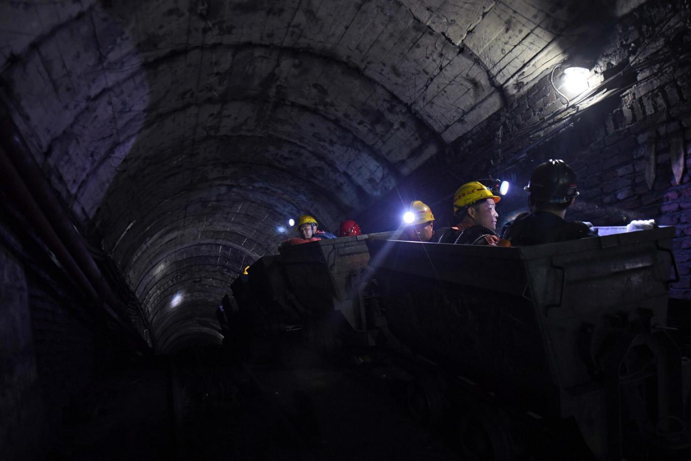 Russia, crolla la diga di una miniera d'oro in Siberia: è strage