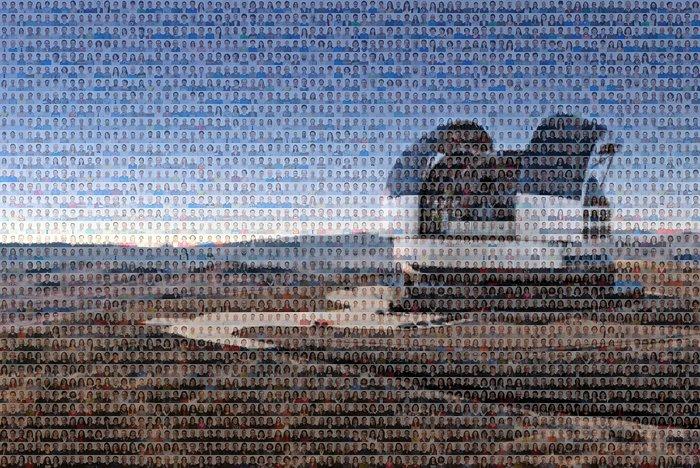 Questa immagine insolita rappresenta l'ELT (Extremely Large Telescope) dell'ESO utilizzando molti piccoli ritratti del personale dell'ESO. Si basa su una rappresentazione artistica del gigantesco telescopio in costruzione.Crediti: ESO