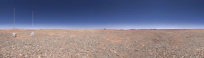 Veduta panoramica della cima del Cerro Armazones, una montagna da 3046 metri di altezza nel Deserto di Atacama nel Cile settentrionale, dopo il livellamento. Il sito ospiterà il telescopio ELT (Extremely Large Telescope) che sarà il più grande telescopio ottico del mondo. Il 26 maggio 2017 si è svolta la cerimonia della posa della prima pietra del telescopio, a cui ha partecipato la Presidentessa del Cile, Michelle Bachelet Jeria.Crediti: ESO