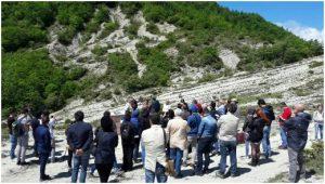 Sezione del Monte Cagnero dell'Appennino umbro-marchigiano (nei pressi di Urbania): cerimonia ufficiale del Chiodo d'Oro (Golden Spike) per segnalare ufficialmente la base del Global Stratotype Section and Point (GSSP) del piano Cattiano