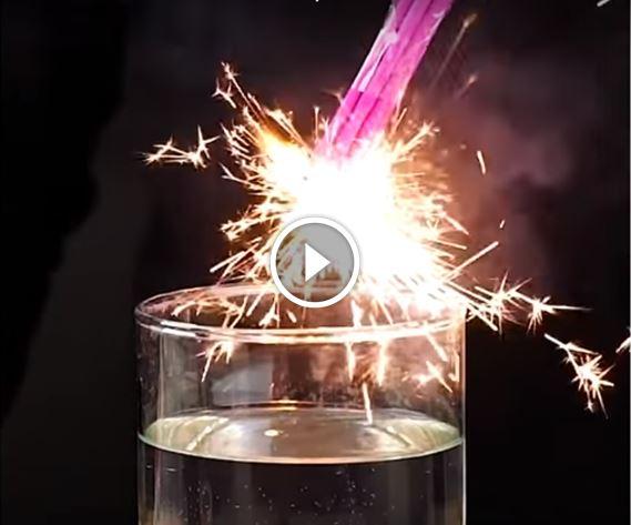 Eccezionale Ecco 21 esperimenti facili e mozzafiato da provare a casa [VIDEO XH53