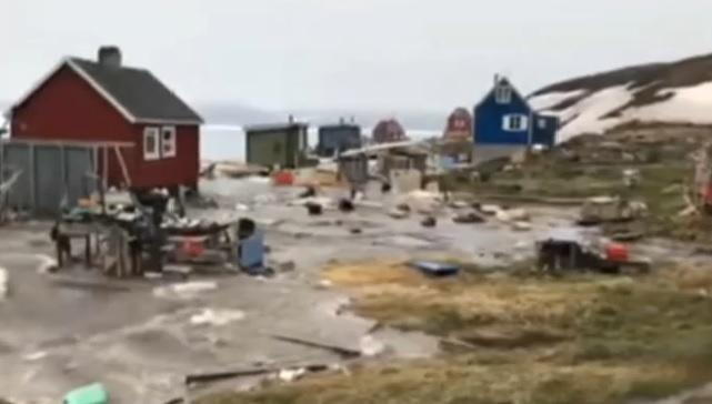 Resultado de imagem para tsunami na groenlândia