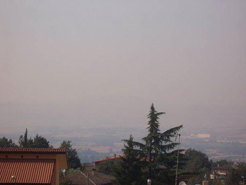 Nube di ''fuoco'' avvolge l'Irpinia
