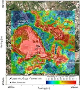 Figura 1: Degassamento diffuso di CO2 dalla Solfatara di Pozzuoli e dintorni (periodo 1998-2016). La mappa mostra le aree (colori giallo-rosso) che sono state interessate da emissione di CO2 di origine vulcanica