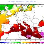"""Caldo record, anche nell'acqua del mare: temperature senza precedenti, ecco come il Mediterraneo si trasforma in un """"brodo"""""""