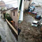 Maltempo, disastro per i temporali estivi di stamattina al Sud: tornado a Reggio Calabria, alluvione lampo a Scilla [GALLERY]