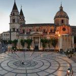 Dramma in Sicilia durante un matrimonio al Duomo di Acireale: crolla tetto, bimbo di 8 anni è grave: trasferito d'urgenza a Messina