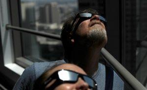 Eclissi solare, il 21 agosto tutti con col naso all'insù