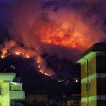 Sulmona, devastante incendio sul Monte Morrone: fiamme da 6 giorni, distrutti 900 ettari del Parco della Majella [FOTO]