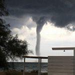 Maltempo, i temporali risalgono sul Salento: violenti nubifragi e tornado sulle coste joniche pugliesi [FOTO e VIDEO]