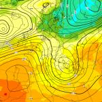 """Allerta Meteo, """"Tempesta Mediterranea"""" per altre 48 ore al Sud: attenzione in Puglia, Campania, Calabria e Sicilia [MAPPE]"""