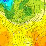 Allerta Meteo, ecco il nuovo peggioramento: si sta formando un ciclone Mediterraneo, violenti temporali per 48 ore al Sud