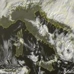 """L'Uragano Mediterraneo """"Numa"""" sul mar Jonio, un vero e proprio""""Medicane"""": impressionanti immagini dallo Spazio [FOTO]"""