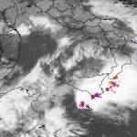 Allerta Meteo, il maltempo si abbatte al Sud: temporali violentissimi in Sicilia, grandine e nubifragi [LIVE]