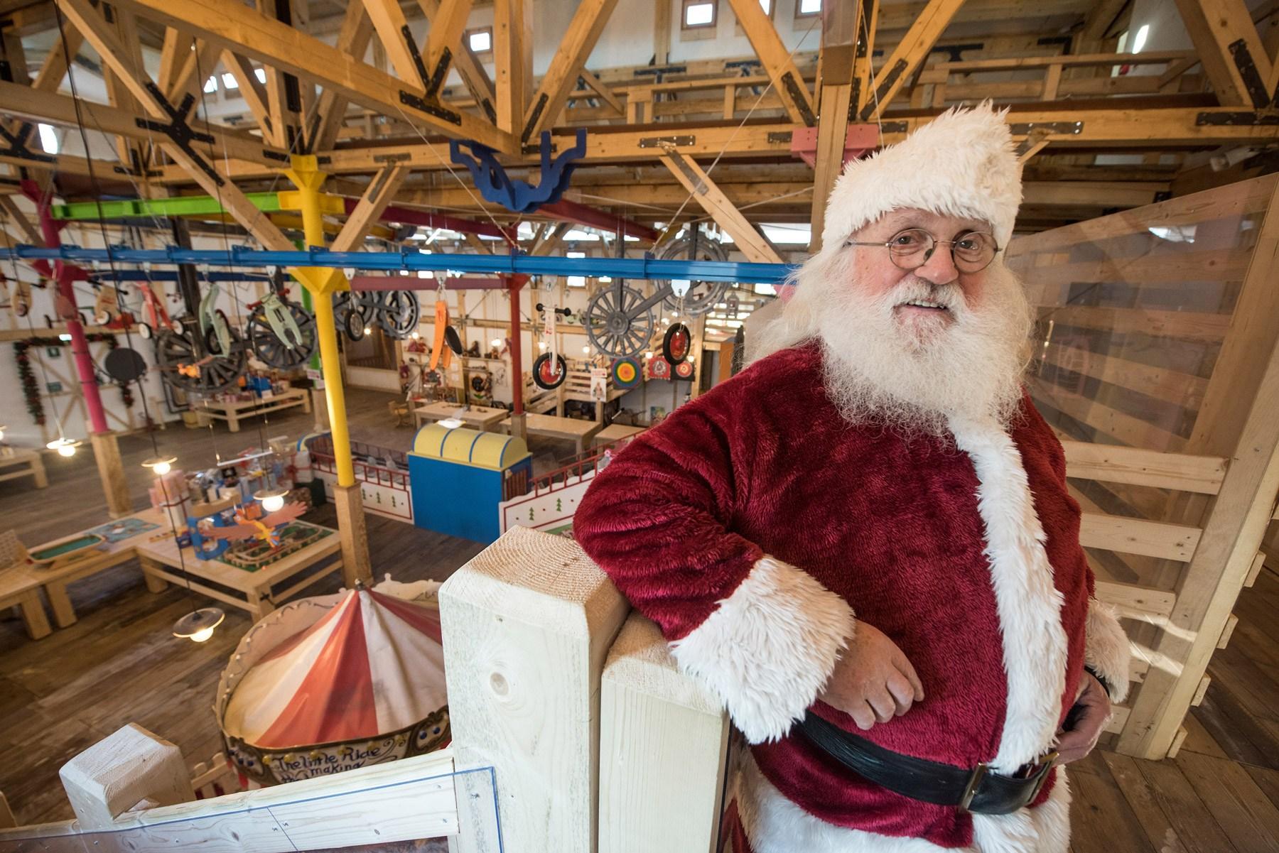 Immagini Del Villaggio Di Babbo Natale.Turismo Natalizio Ecco Il Villaggio Di Babbo Natale Di