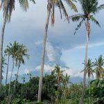 Allarme rosso sull'isola di Bali: si teme una violenta eruzione del vulcano Agung, 100mila persone in fuga [FOTO e VIDEO]