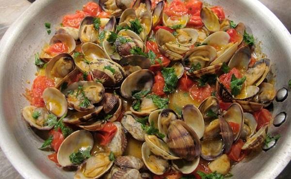 Cena della vigilia i piatti tipici da nord a sud italia for Roma piatti tipici
