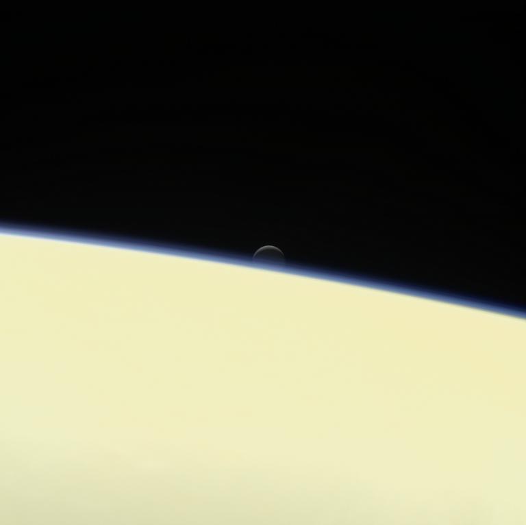 Encelado e Saturno
