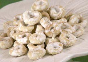 Occhi di Santa Lucia: origini e ricetta dei buonissimi tarallini glassati