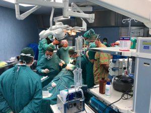 """Al Cardarelli di Napoli  """"l'implantologia zigomatica con tecnica piezoelettrica""""  nel reparto di Chirurgia Maxillo Facciale"""