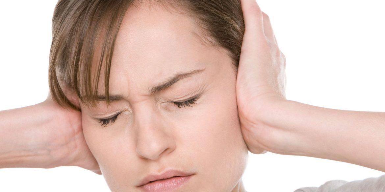 Acufene fischio ronzio orecchie