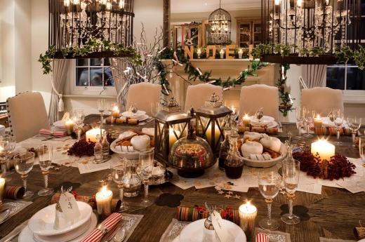 Come imbandire la tavola durante le feste di natale consigli utili e regole fondamentali - Addobbare la tavola per natale ...