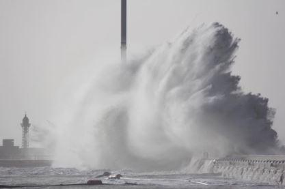 La Tempesta Eleanor devasta Le Havre in Francia FOTO e VIDEO