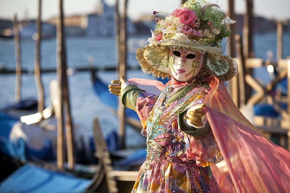 Risultati immagini per maschere venezia