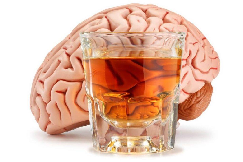 alcol benefici cervello