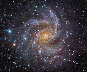 Astronomia, nuova relazione tra forma ed età delle galassie: