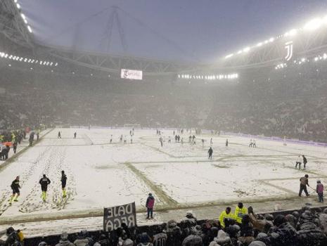 Burian, Torino sommersa dalla NEVE: Juventus Atalanta rinvia