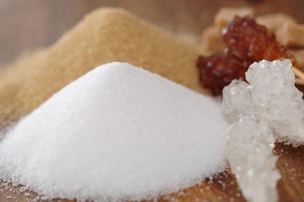 zucchero bianco e zucchero di canna