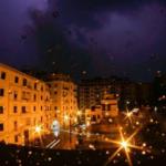 """Maltempo in Sicilia, violento temporale """"africano"""" a Palermo dopo lo scirocco: saette tra la sabbia del Sahara"""